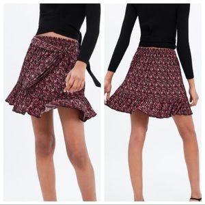 Zara Floral Print Mini Skirt in Sz S